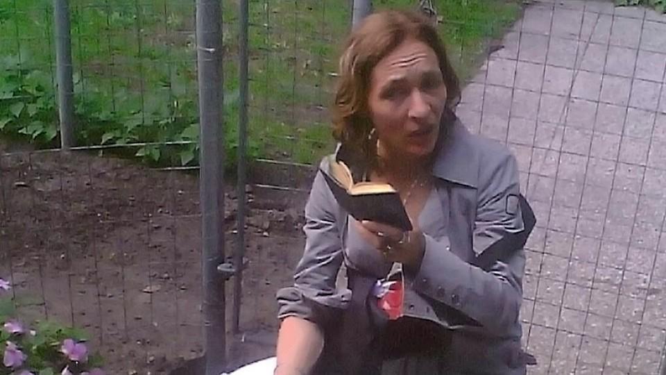 Vrouw door messteken gedood