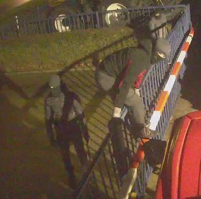 Politie vraagt om herkenning van inbrekers