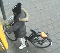 Almelo - Gezocht - Vrouw pakt geld van een ander uit pinautomaat, wie is deze vrouw?