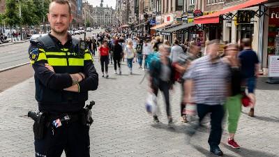 Amsterdam - 'Ze zijn dader, maar vooral slachtoffer'