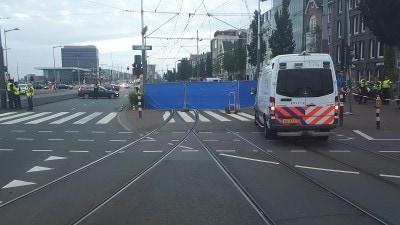 Amsterdam - Motorrijder verongelukt op de De Ruijterkade