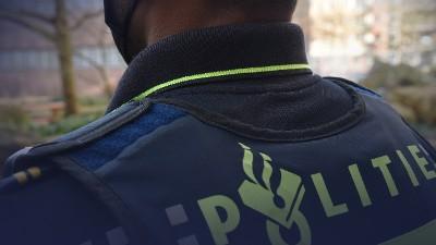 Amsterdam - Drie mannen aangehouden voor grootschalige diefstal Tesla-spiegels