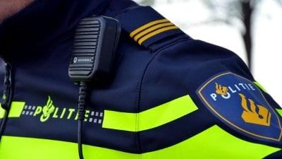 Politieagent met portofoon