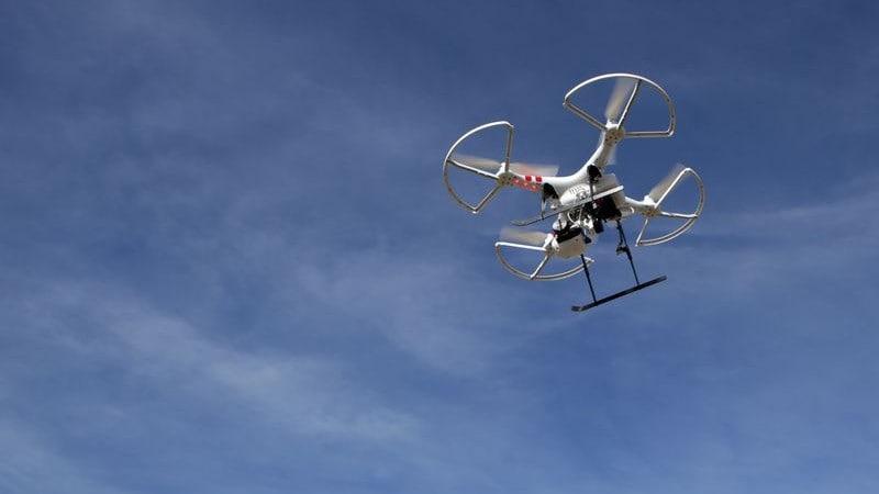 Met een drone maakt de politie foto's van de omgeving
