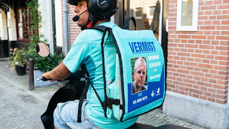 Start campagne 'Ride to find' van Deliveroo, AMBER Alert en politie