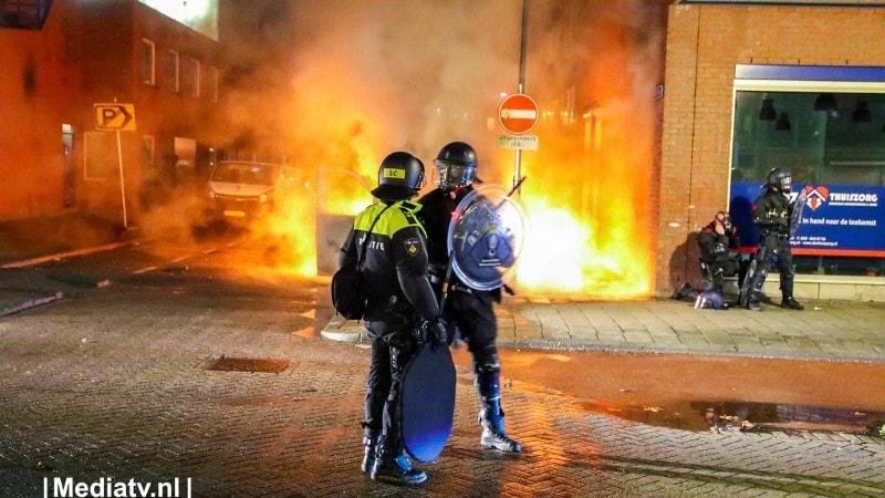 Politie Lanceert Whatsapp Nummer Voor Uploaden Beelden Relschoppers