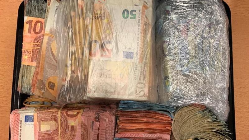 Twee Overlastgevende Dealers Dapperbuurt Aangehouden