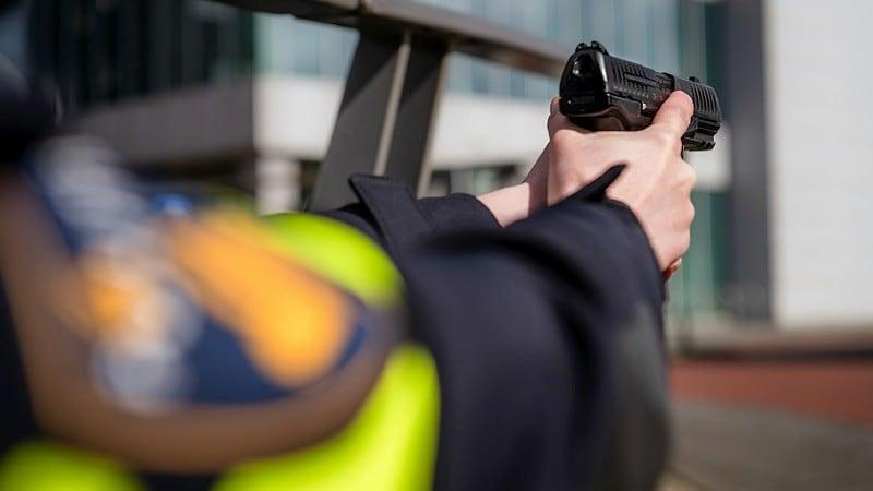 De politie in #Breda loste maandagavond een schot tijdens een aanhouding.