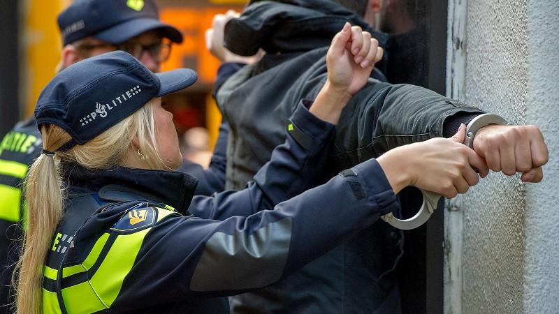 Rotterdam Vier Aanhoudingen Na Bedreiging Met Vuurwapen Rotterdam