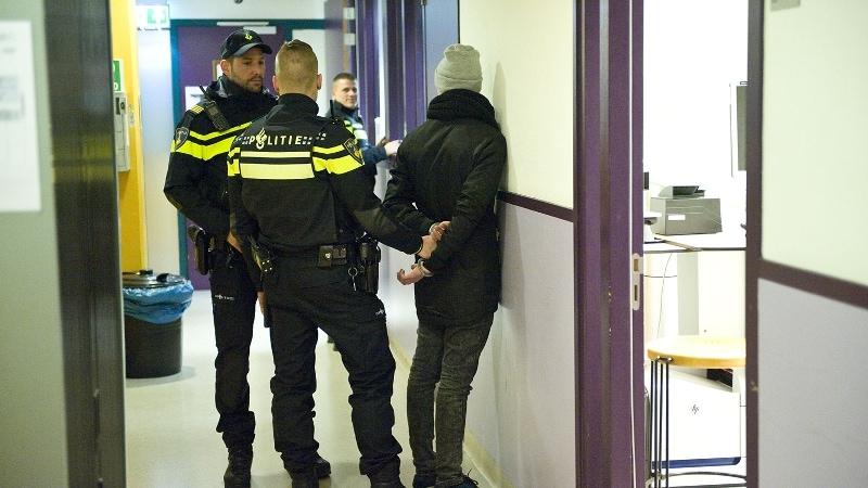 Rotterdamse Agent Breekt Vinger Bij Aanhouding Lastpak