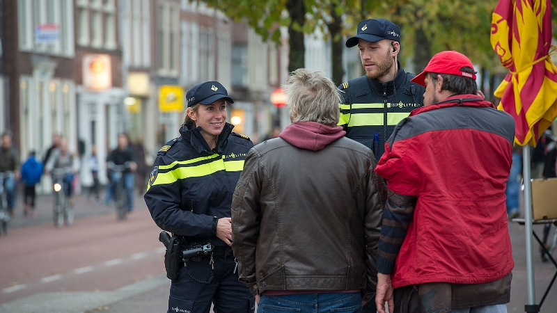 Rotterdam - Politie zoekt getuigen van woningoverval Rotterdam