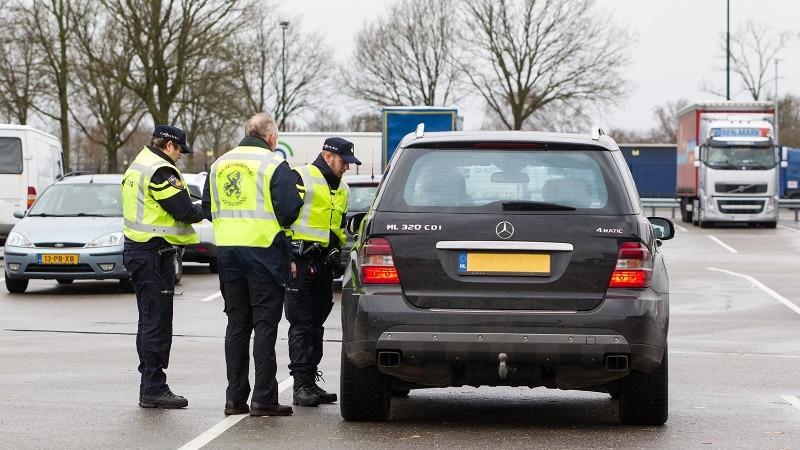 Delfgauw - Vier personen aangehouden bij verkeerscontrole op N47